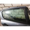 Стекла дверей Пежо 407 9204C6 9204с6 Peugeot