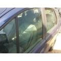 Стекло двери переднее левое Рено Меган-Сценик 1997 года, 1.6, Мкпп, 90 л.с