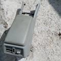 Подлокотник серого цвета б/у Мерседес Бенц Е320 104 995 (акпп) Е320 W210, двигатель v3.2L 220hp