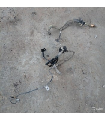 Трубка сцепления. Магистраль сцепления Тойота Королла Е120 2006г. Трубка цилиндра сцепления